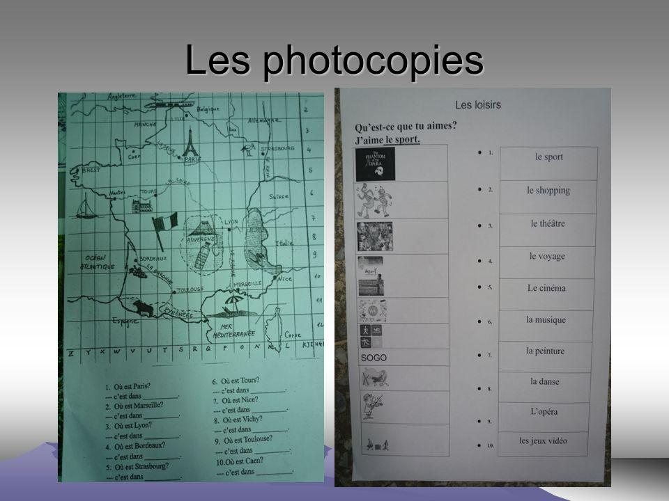 Les sites http://www.ciel.fr/apprendre-francais/preparation-examen/comprehension-test.htm (DELF, DALF)http://www.ciel.fr/apprendre-francais/preparation-examen/comprehension-test.htm http://peinturefle.free.fr (apprendre le français en peinture) http://jeudeloie.free.fr (apprendre le français en s amusant) http://www.ciel.fr/learn-french/french-games.htm http://www.ateliers-alea.com/ http://lexiquefle.free.fr (des fiches de vocabulaire en flash) http://www.bonjourdefrance.com/index/indexvocab.html http://www.tv5.org/TV5Site/enseigner-apprendre-francais/accueil_apprendre.php http://phonetique.free.fr (phonétique pour pratiquer le français) (auto-apprentissage) http://www.loecsen.com/travel/discover.php?lang=fr&prd_id=67&to_lang=16 http://www.loecsen.com/travel/discover.php?lang=fr&prd_id=67&to_lang=16 http://www.laits.utexas.edu/fi/ http://orthonet.sdv.fr/ http://jamento.com/fr/ http://www.lesmetiers.net http://video.muzika.fr/