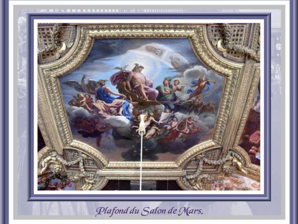 Plafond du Salon de Diane.