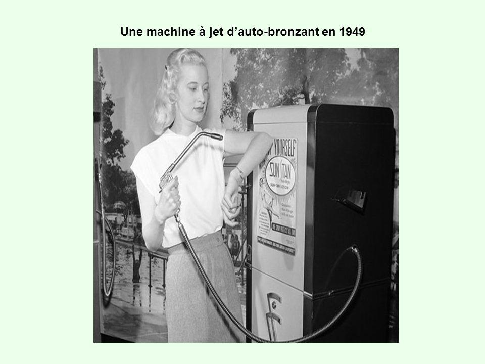 Une machine à jet dauto-bronzant en 1949