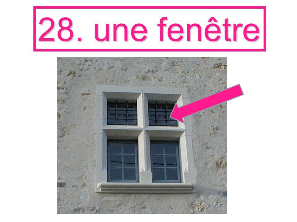 28. une fenêtre