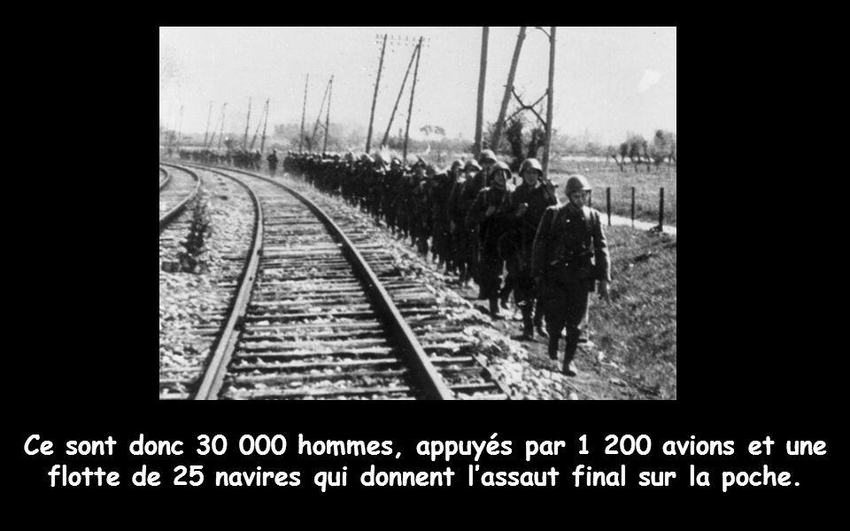 De brefs combats éclatent aux abords du quartier général allemand, avant que le contre-amiral Michaelles ne consente à se rendre, aux environs de 12 h