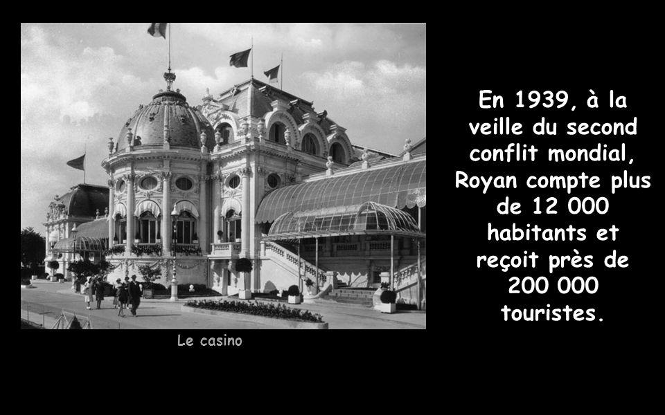 C est au cours des raids sur Royan que le napalm fut expérimenté pour la première fois de façon massive : durant la seule journée du 15 avril, environ 725 000 litres de napalm sont déversés sur la ville.