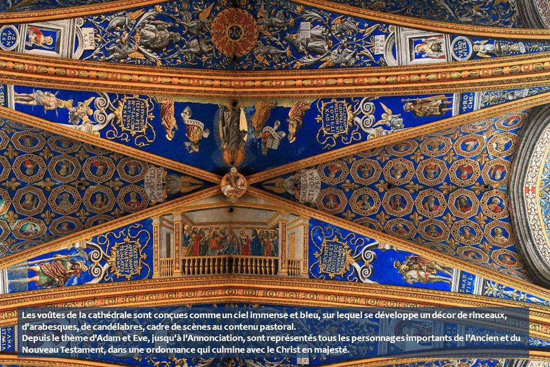 Les voûtes de la cathédrale sont conçues comme un ciel immense et bleu, sur lequel se développe un décor de rinceaux, d arabesques, de candélabres, cadre de scènes au contenu pastoral.