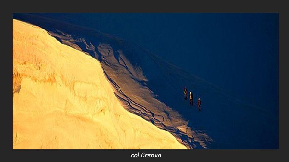 LUMIERES DALTITUDE Autour du Mont Blanc Proposé par Jackdidier