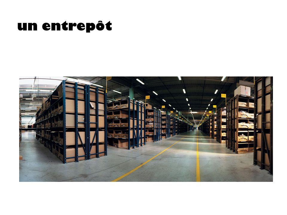 un entrepôt