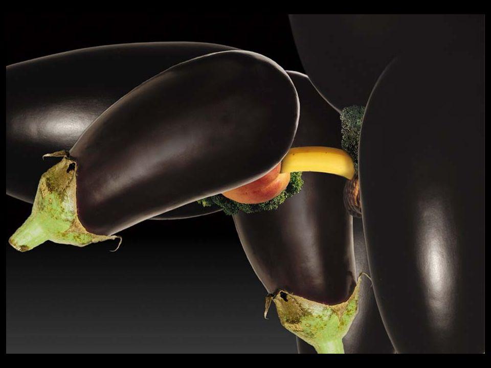 1 Banane & 1 Pêche bien faite plus garniture Pour bien réussir introduire une banane bien ferme dans une belle pêche crème fraiche à volonté.