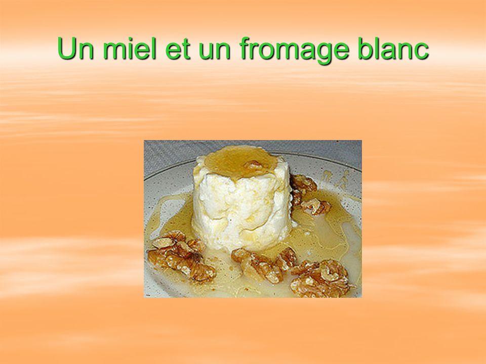 Un miel et un fromage blanc
