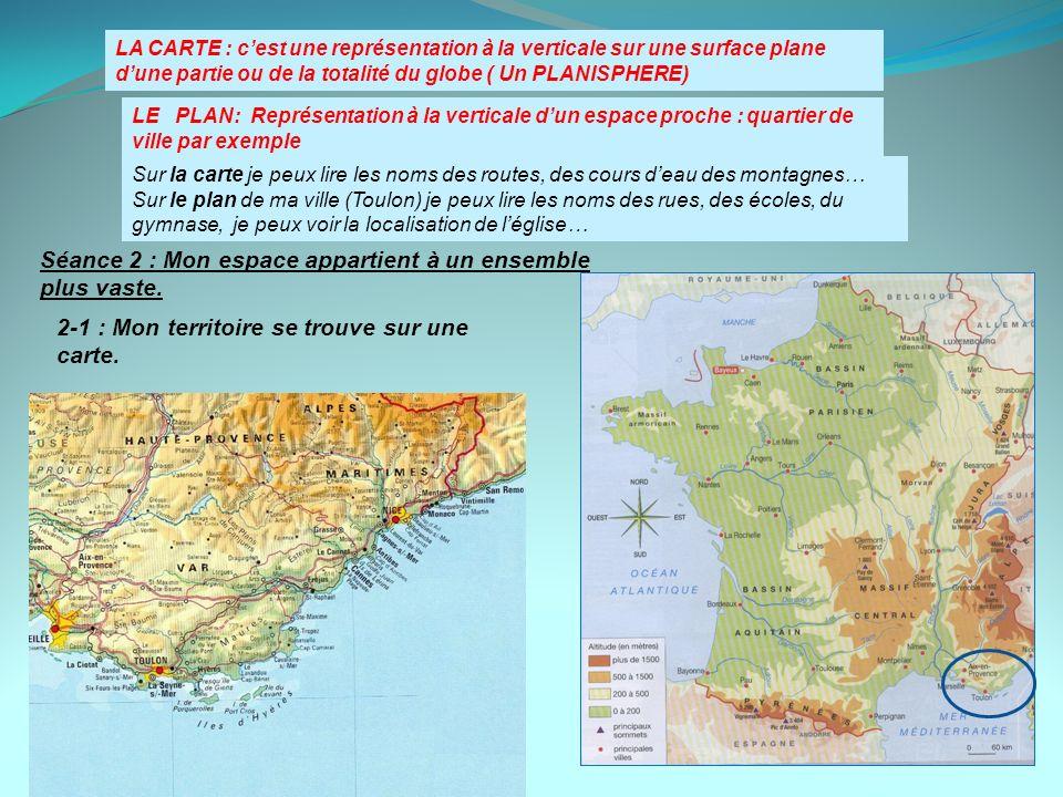 LA CARTE : cest une représentation à la verticale sur une surface plane dune partie ou de la totalité du globe ( Un PLANISPHERE) Sur la carte je peux