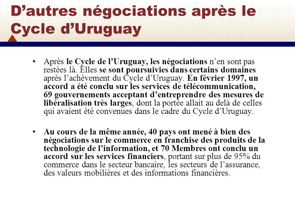 LOrganisation Mondiale du Commerce (OMC) L OMC a remplacé le GATT en tant qu organisation internationale, mais lAccord général sur les tarifs douaniers et le commerce (GATT) subsiste en tant que traité-cadre de l OMC pour le commerce des marchandises, tel que mis à jour à la suite des négociations du Cycle d Uruguay.