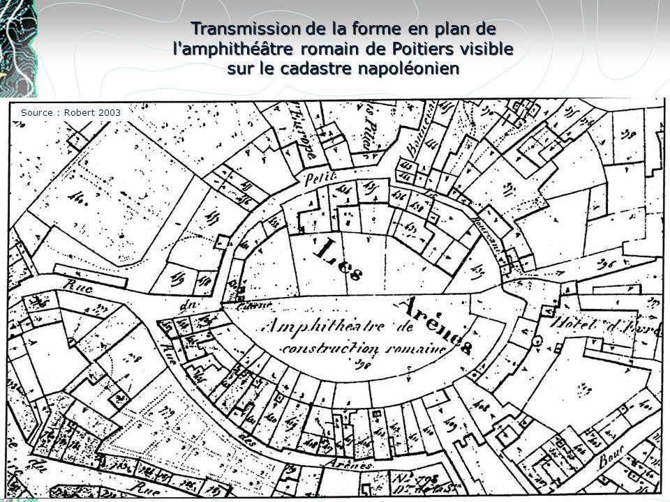 Transmission de la forme en plan de l'amphithéâtre romain de Poitiers visible sur le cadastre napoléonien Source : Robert 2003