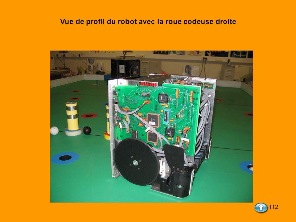 112 Vue de profil du robot avec la roue codeuse droite
