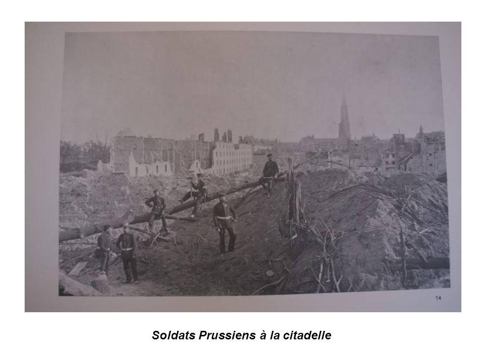 Le 26 février 1871 la France signe les préliminaires de paix acceptant lannexion par le Reich de lAlsace et dune partie de la Moselle.