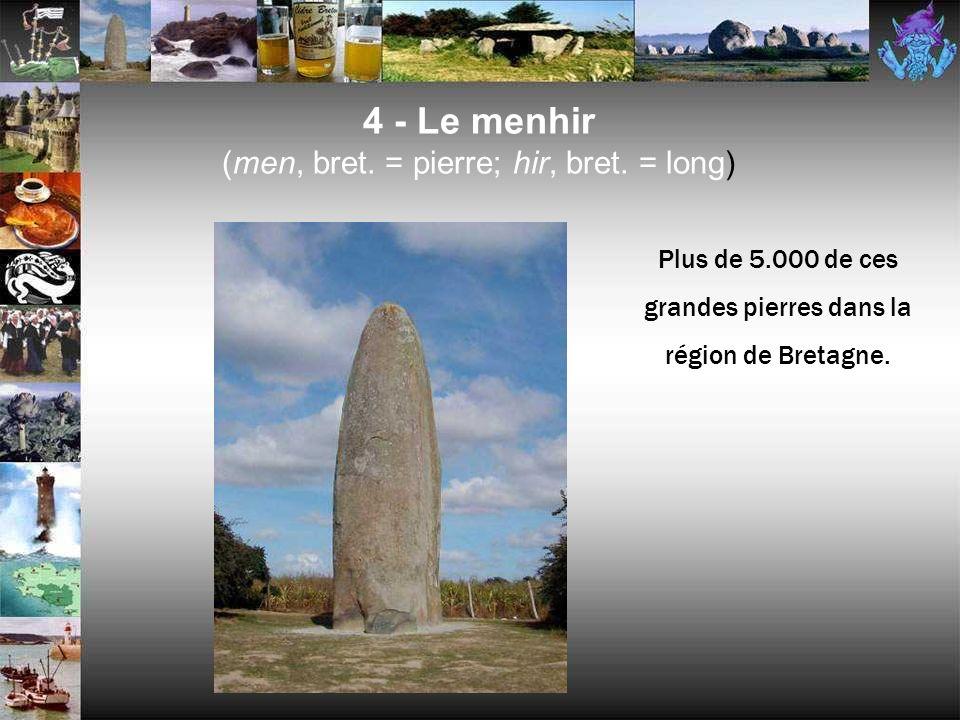 4 - Les mégalithes (grec : mega = grand ; lithos = la pierre) LalignementLe menhirLe dolmen Lallée couverte
