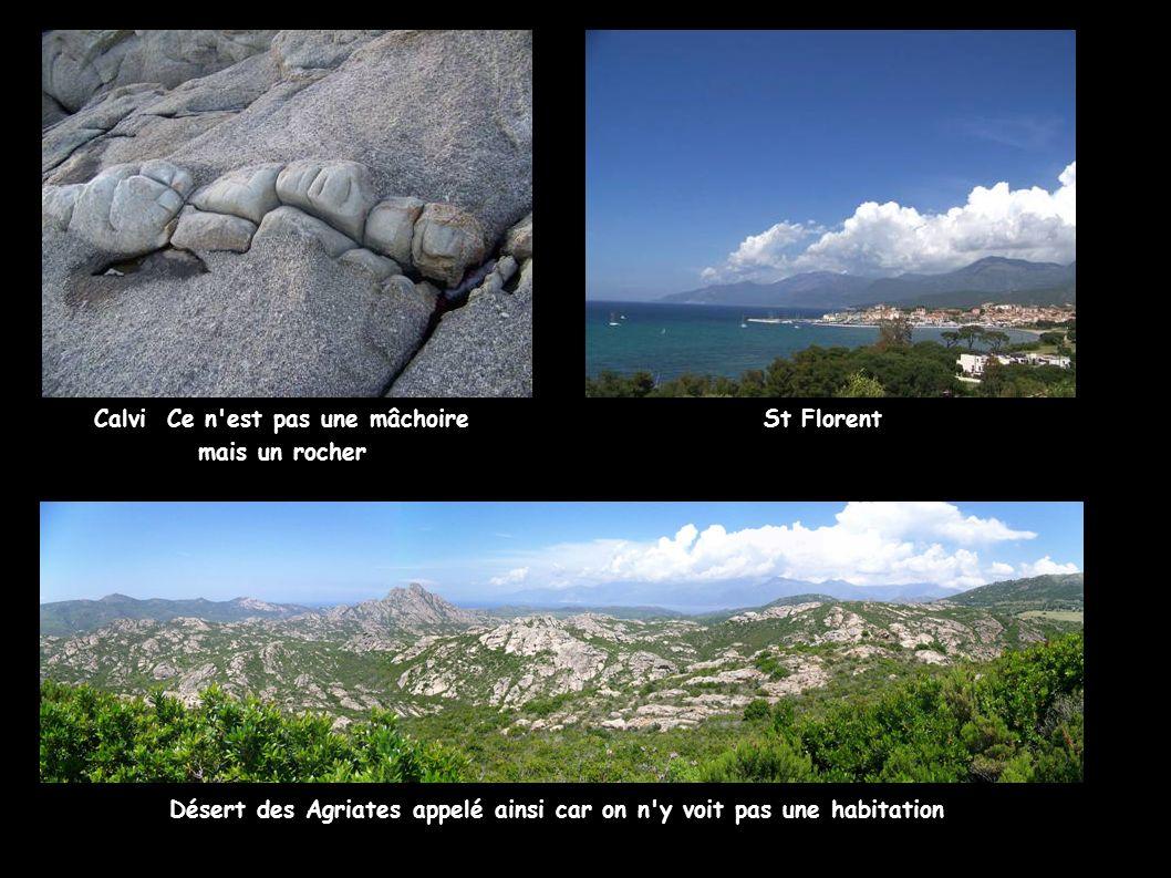 Calvi Ce n'est pas une mâchoire mais un rocher St Florent Désert des Agriates appelé ainsi car on n'y voit pas une habitation