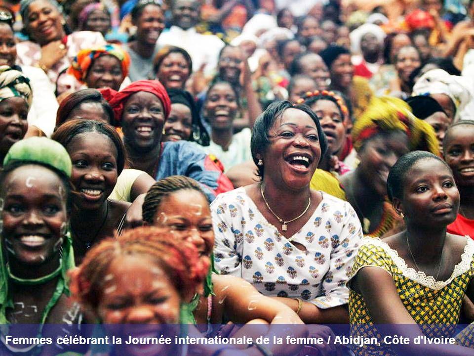 Femmes célébrant la Journée internationale de la femme / Abidjan, Côte d'Ivoire