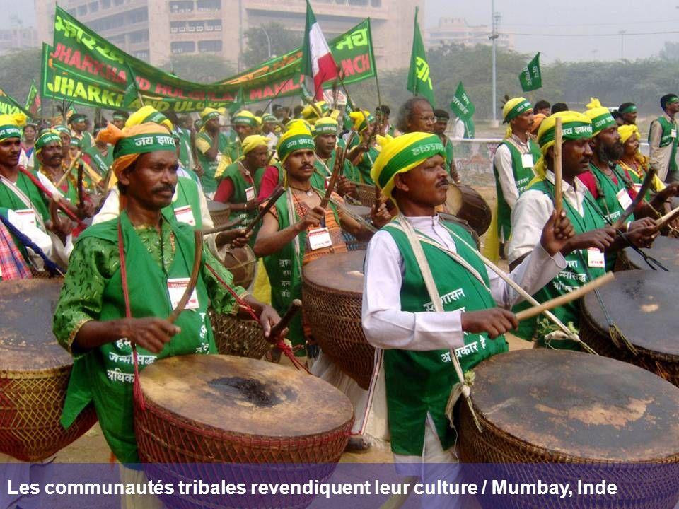 Les communautés tribales revendiquent leur culture / Mumbay, Inde