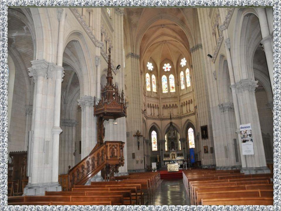 Sainte Maxellende de Caudry, née vers 650 est morte vers 670, un 13 novembre est une Sainte Martyre, de la ville de Caudry diocèse de Cambrai. Cest un