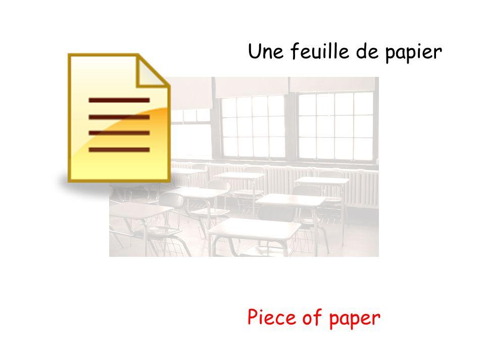Une feuille de papier Piece of paper