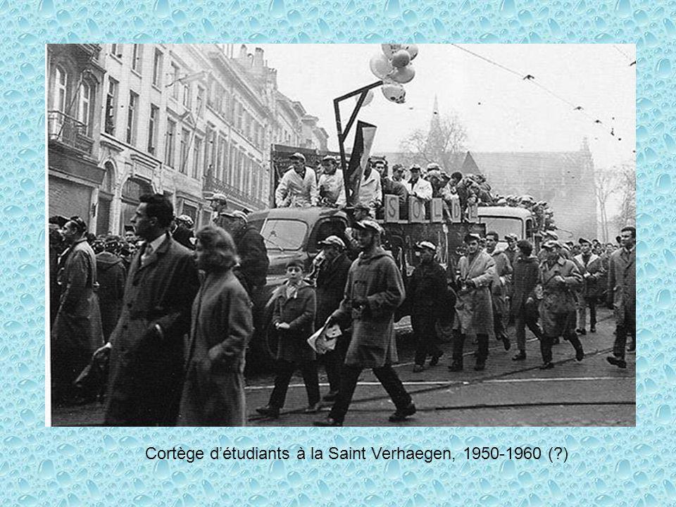 Cortège détudiants à la Saint Verhaegen, 1950-1960 (?)