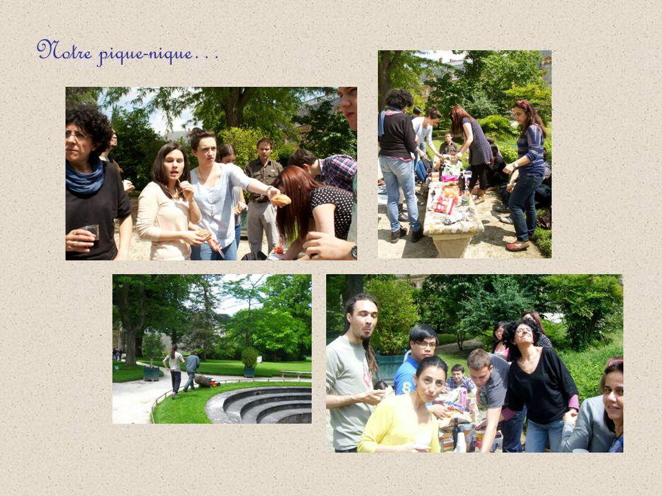 Constance nous a expliqué lorigine du jardin de Diane… Ecoutez Après la visite, nous avons décidé de faire un pique-nique dans les jardins.