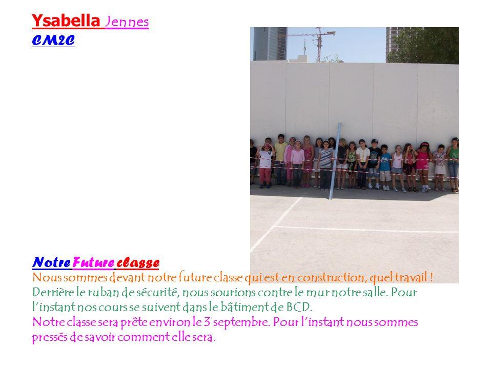 Tania Patze CM2c Notre classe Voici la photo des élèves de CM2 devant leur propre classe. Elle est encore en construction quand la maitresse prend la