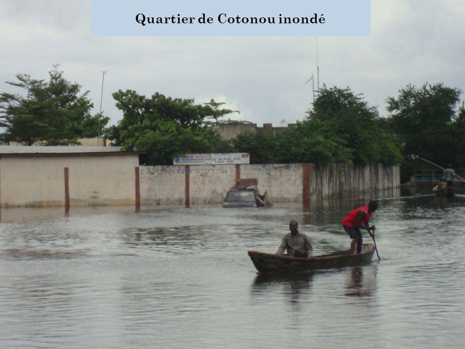 Quartier de Cotonou inondé