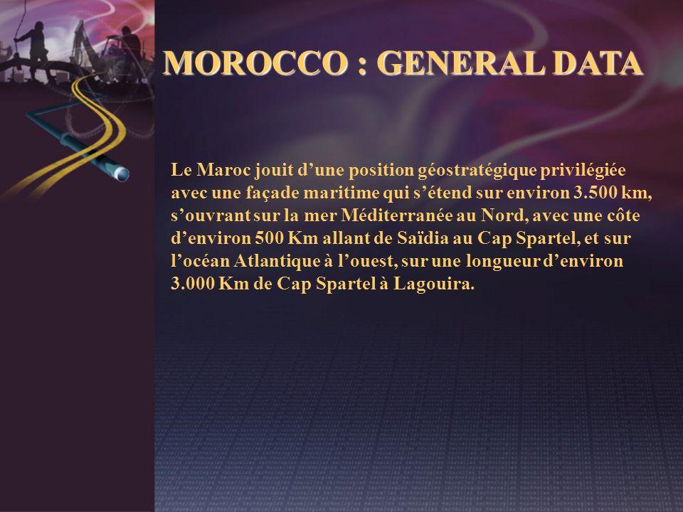 Le Maroc jouit dune position géostratégique privilégiée avec une façade maritime qui sétend sur environ 3.500 km, souvrant sur la mer Méditerranée au