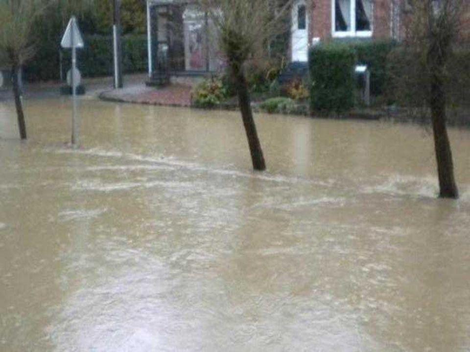 L'entité de Grez-Doiceau, dans le Brabant Wallon ici aussi les pompiers auront fort à faire pour pomper l'eau hors des caves.