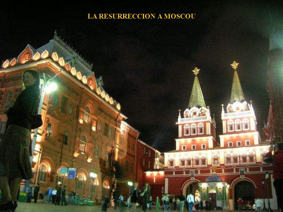 KOMSOMOLSKAYA STATION DE METRO DE MOSCOU