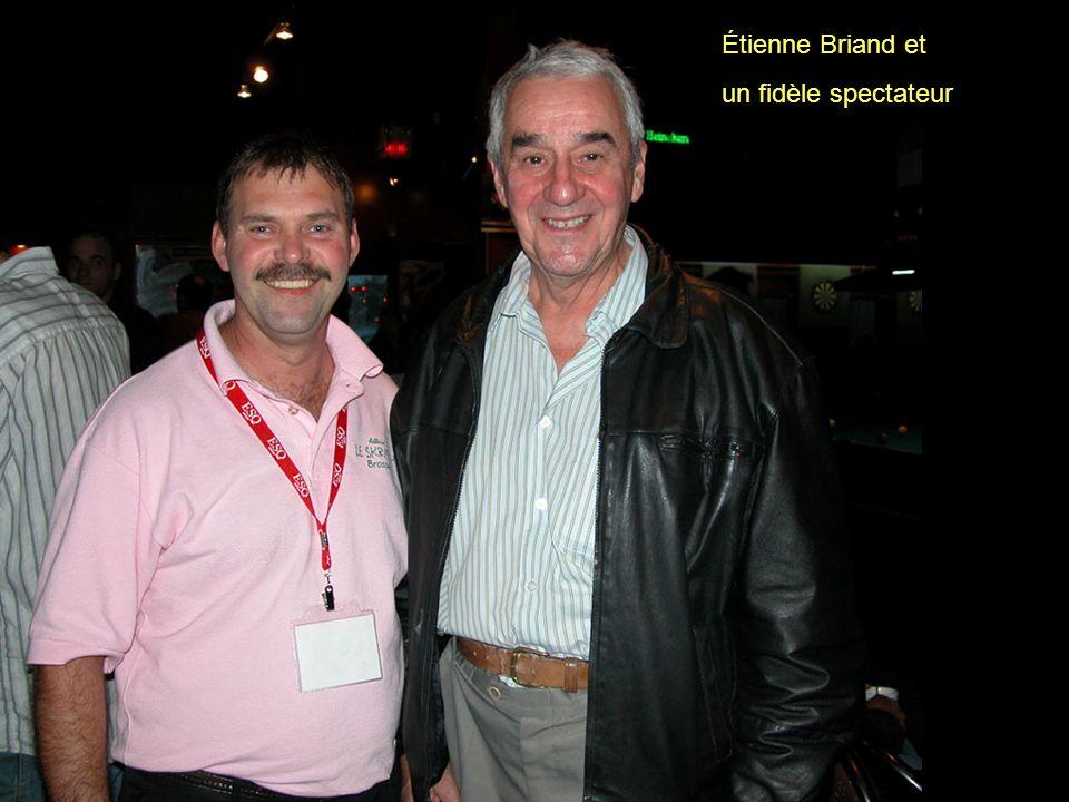 Étienne Briand et un fidèle spectateur