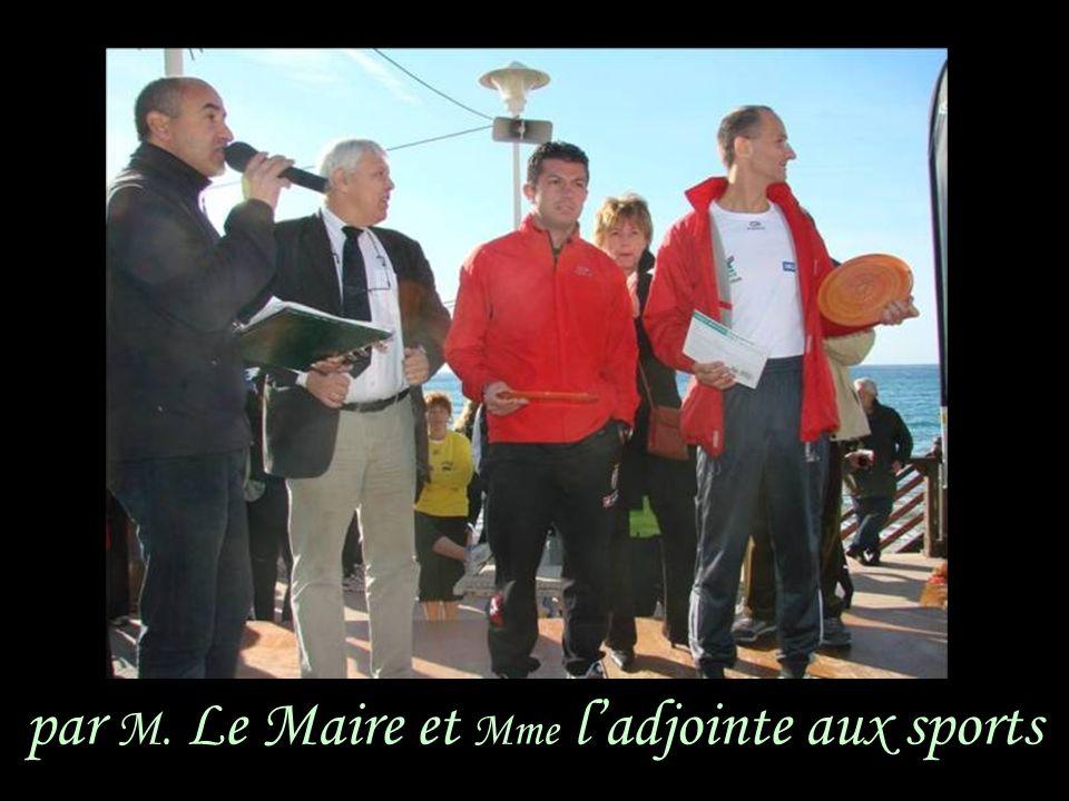 par M. Le Maire et Mme ladjointe aux sports