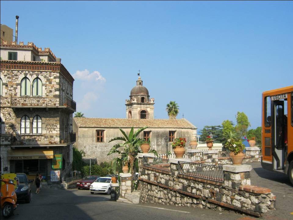 Et la navette va nous emmener dans Taormina…