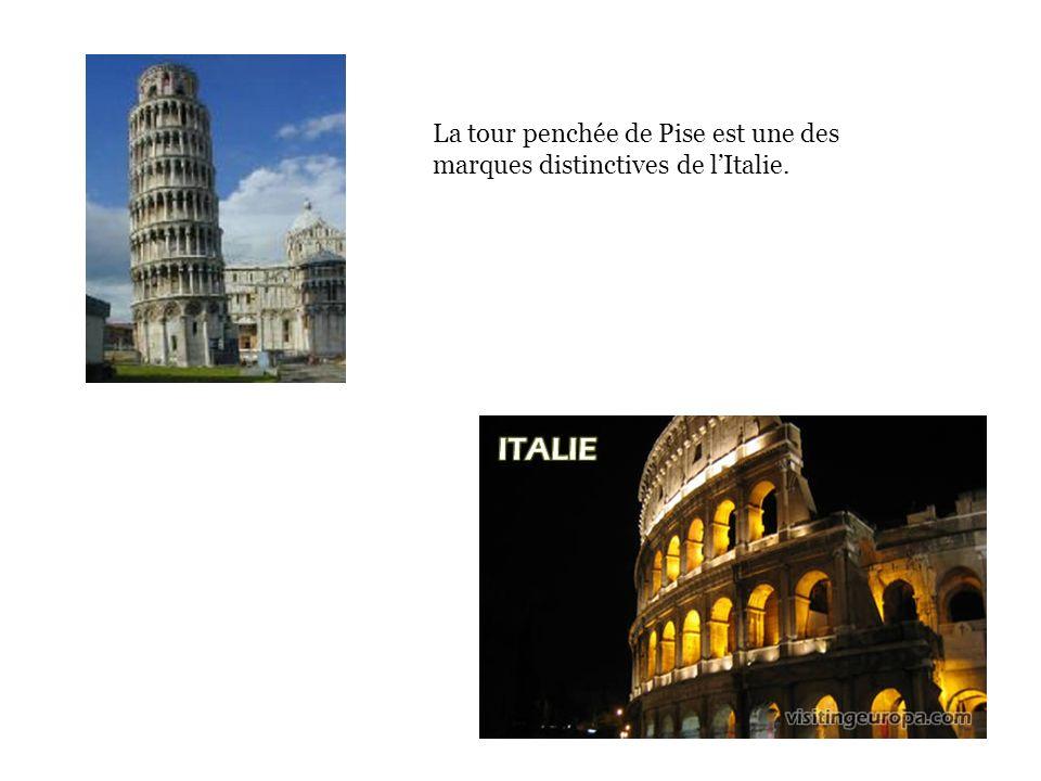 La tour penchée de Pise est une des marques distinctives de lItalie.