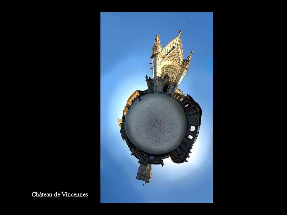 La passerelle de Simone de Beauvoir à Paris (Anciennement Bercy-Tolbiac)