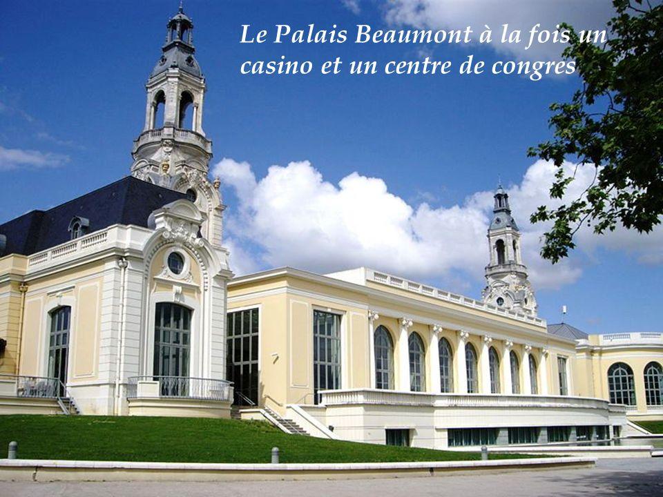 Palais de justice et place de la Libération