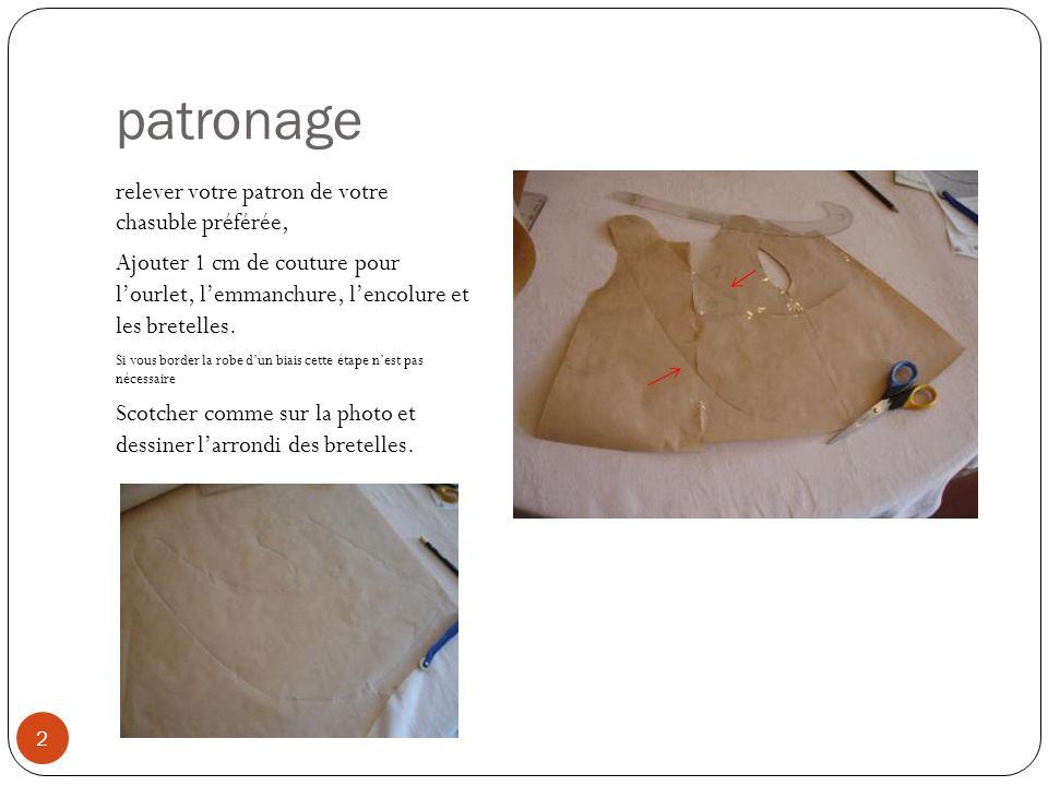 patronage relever votre patron de votre chasuble préférée, Ajouter 1 cm de couture pour lourlet, lemmanchure, lencolure et les bretelles. Si vous bord