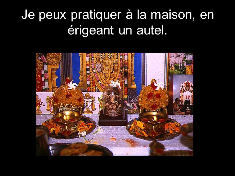 Une partie du culte se déroule au temple. Le temple hindou a la forme symbolique dune montagne.