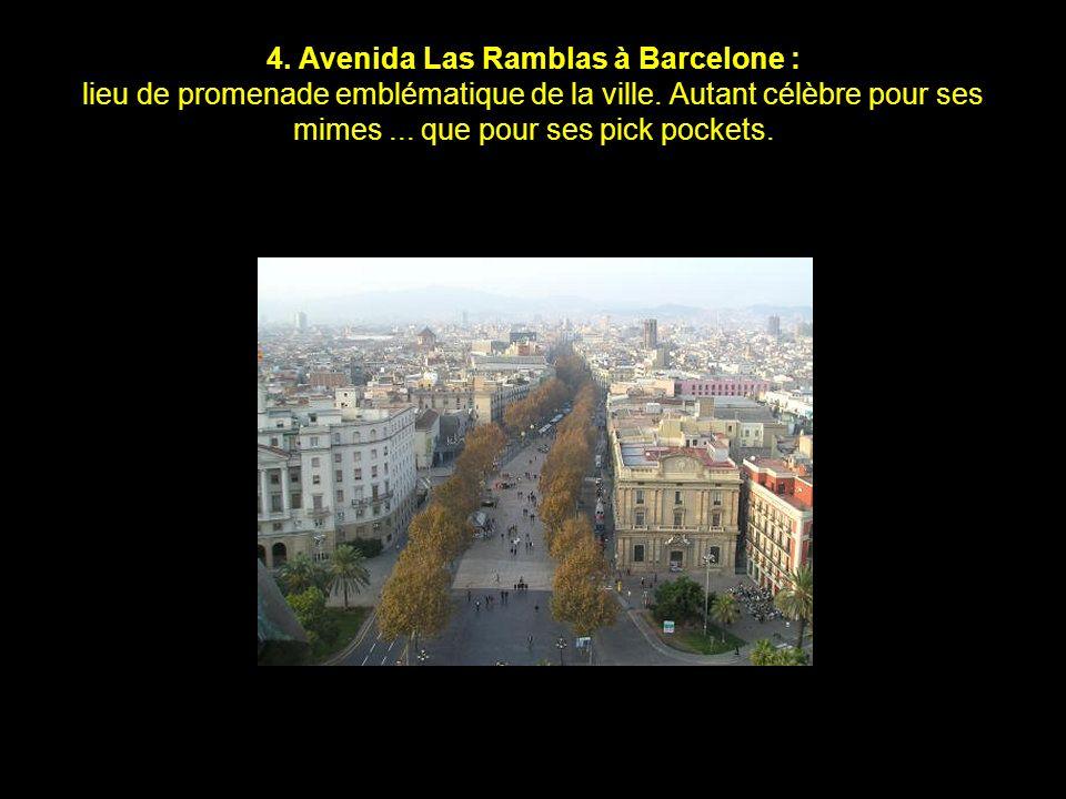 3. Avenida de los Insurgentes à Mexico : la plus longue avenue du monde : 28,8km. Réservez votre journée et vos chaussures de rando pour la parcourir,