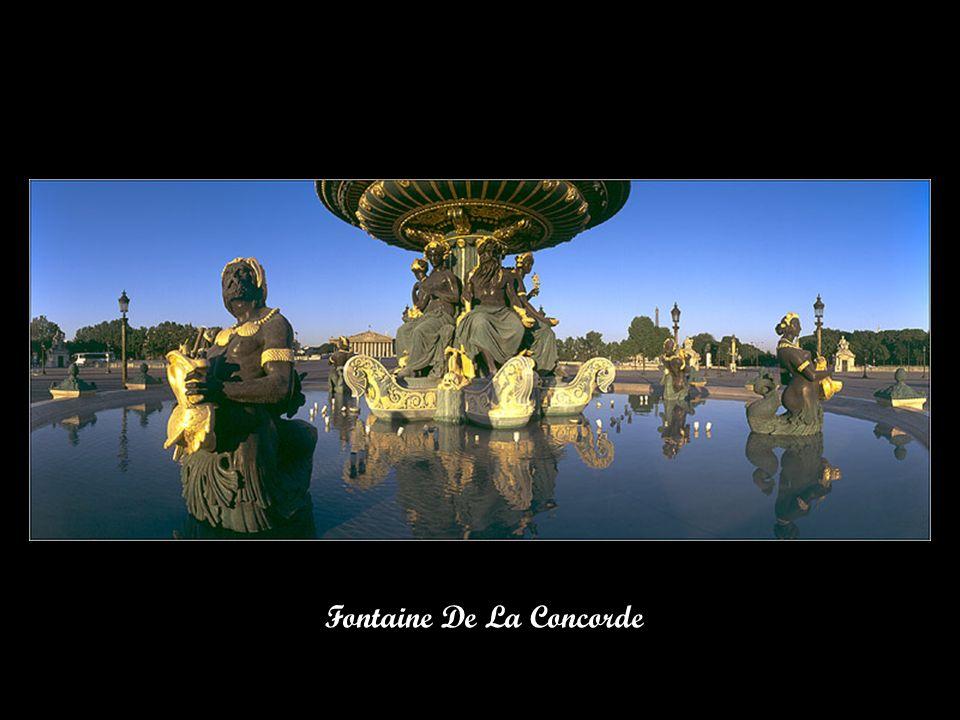 Fontaine Place De La Concorde Au Crépuscule