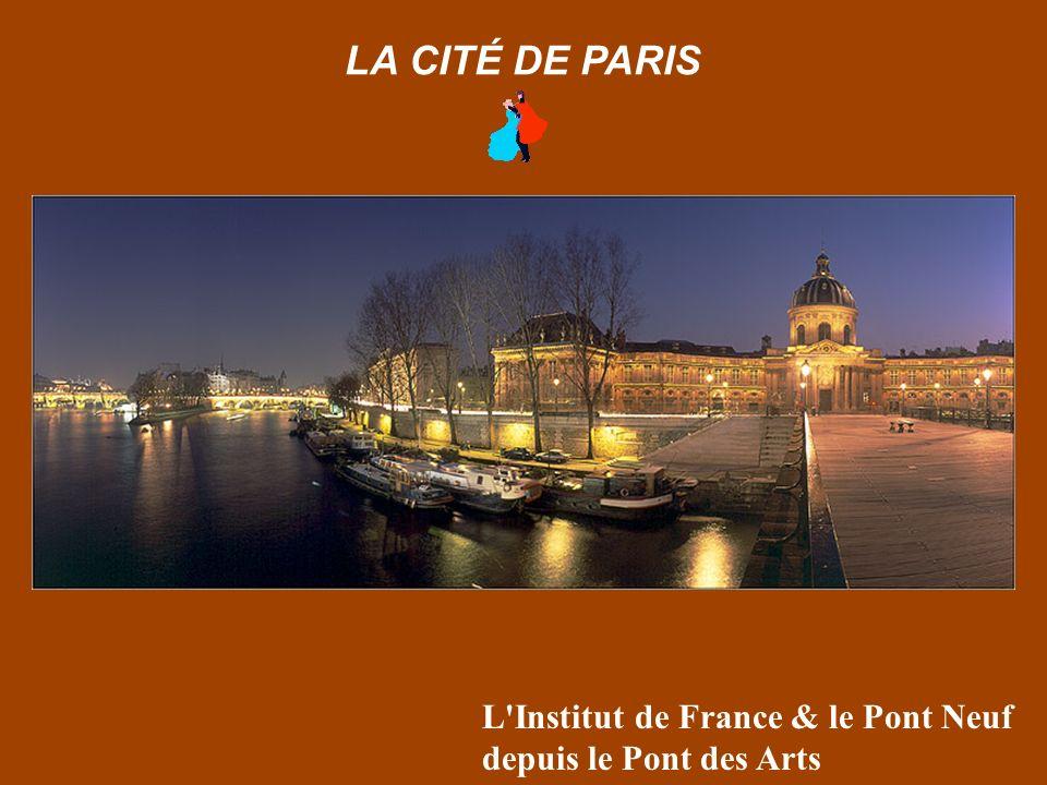 Place de la Concorde, au crépuscule… LA CITÉ DE PARIS