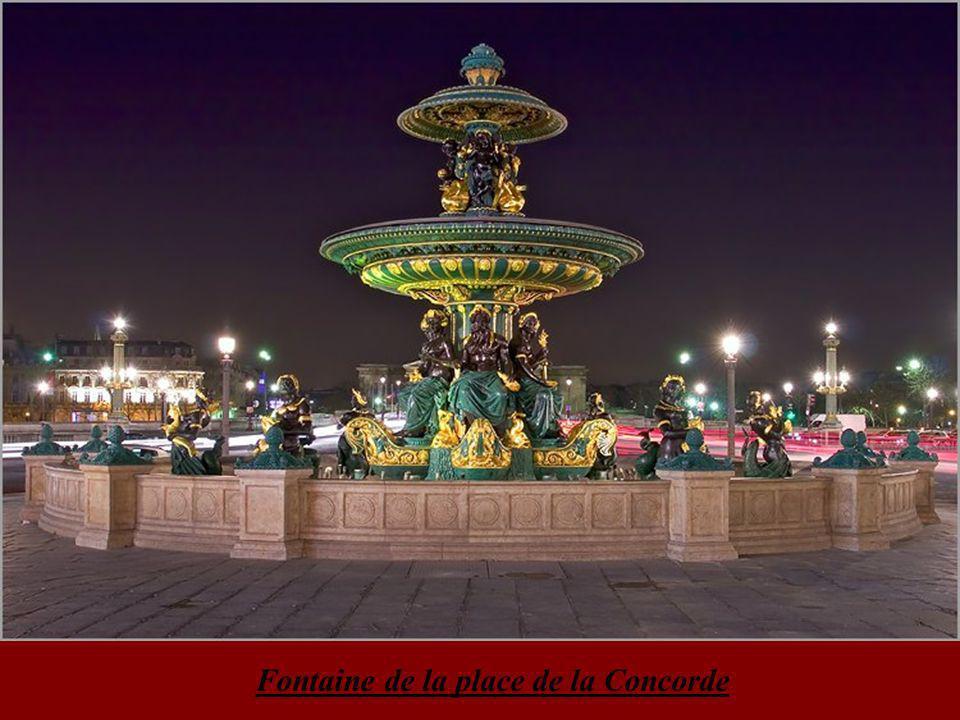 Reflets dans la Seine au pont au change & quai de l'Horloge