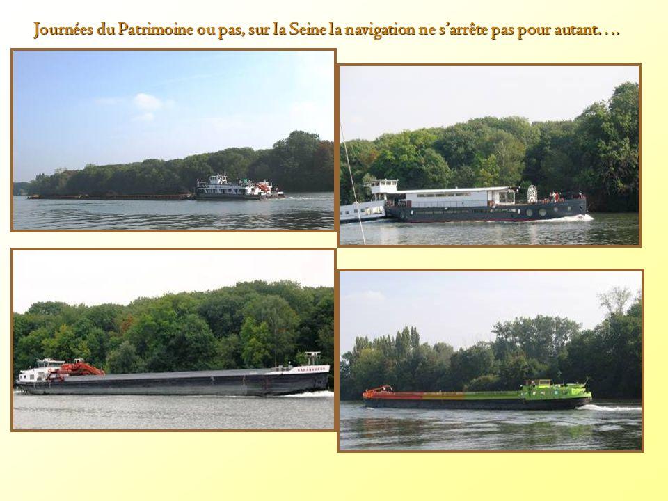 Journées du Patrimoine ou pas, sur la Seine la navigation ne sarrête pas pour autant….