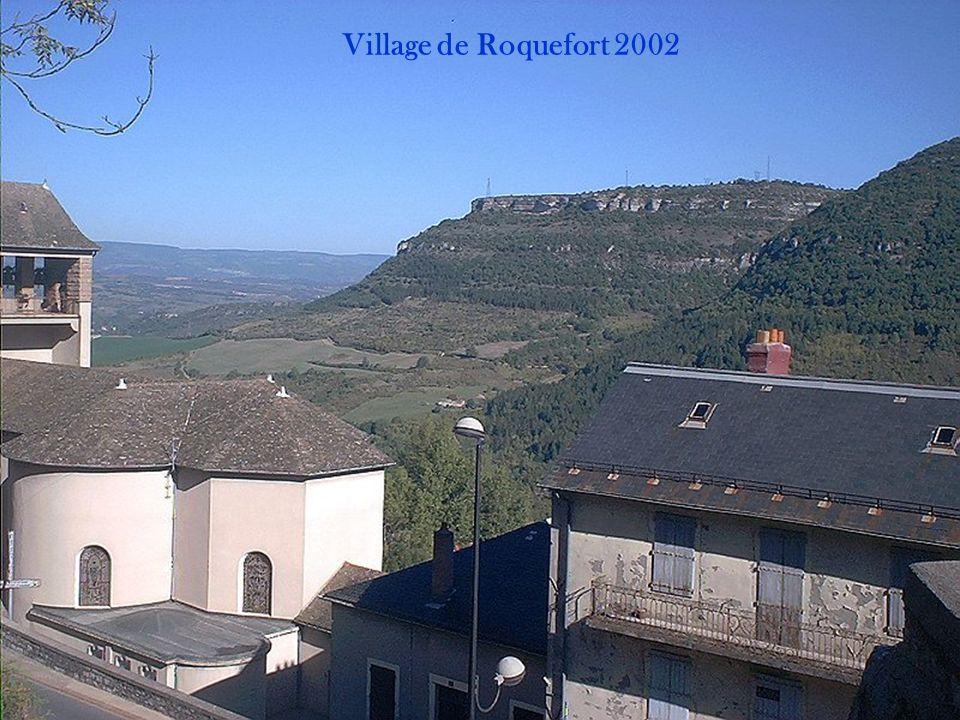 Village sur les gorges du Tarn 2002
