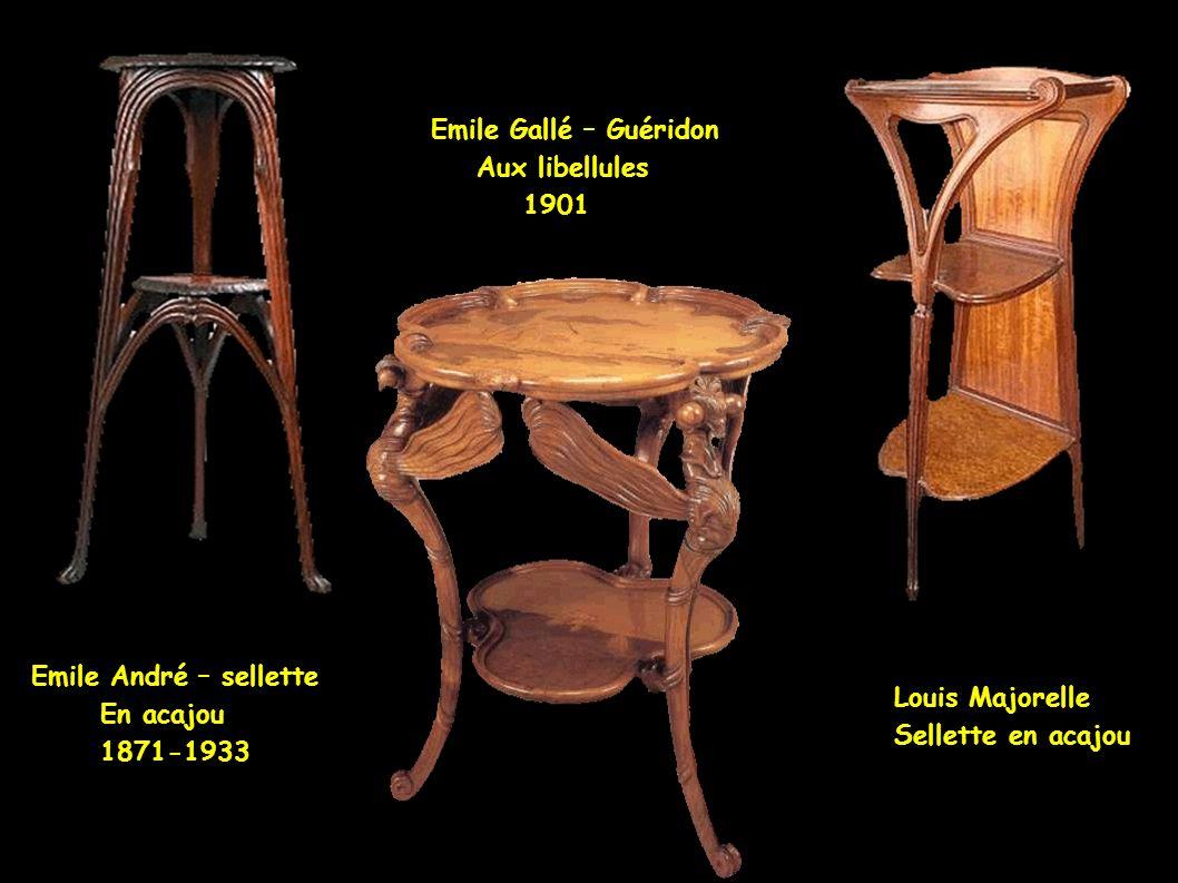 Emile Gallé – flora marina Flora exotica Emile Gallé – table d'appoint Leclère