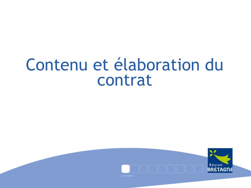 Calendrier (indicatif): la négociation des contrats > mi-mars à mi-avril : instruction technique des dossiers présentés par les pays par la DAPT et les services sectoriels concernés de la Région (en lien avec lélu référent du pays): cohérence projets avec préambule et chantiers régionaux > mi-avril : réunion du Comité territorial du Conseil régional: premiers arbitrages (cohérence des projets avec la vocation du pays et les chantiers fédérateurs régionaux – répartition sectorielle des projets), puis retour vers le pays (et les Départements) des décisions du Comité territorial; > fin avril : rencontres entre les directeurs de pays et la Direction de laménagement et des politiques territoriales ; > fin avril à mi-mai : réunion à linvitation de lélu référent (en présence des services du Conseil régional), réunissant le président du Pays et des représentants des EPCI en vue dexaminer la proposition de la Région et de présenter déventuels amendements ; Saisine par le pays de son Conseil de développement afin de lui demander de se prononcer sur la dernière version du projet de contrat modifié.