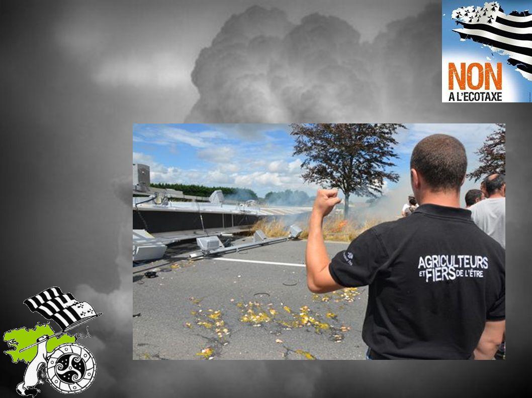 Le 2 août 2013 le portique écotaxe de Guiclan près de Morlaix est abattu par les manifestants Un autre est endommagé à Melgven, entre Quimper et Lorient