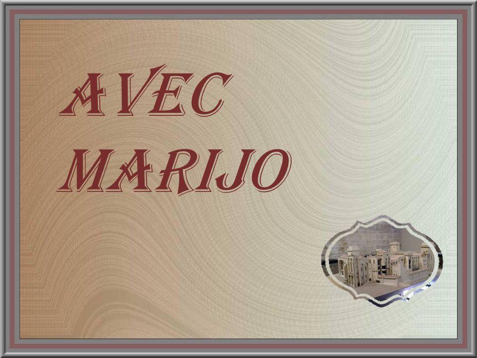 Ci-contre: les parois de la Chambre du Pape sont entièrement recouvertes dentrelacs de sarments de vignes et de branches de chênes.