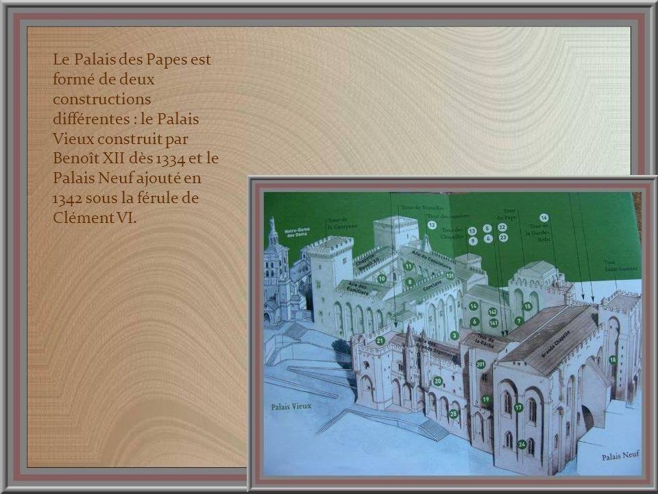 Face au Palais des Papes, lHôtel des Monnaies est une élégante construction du XVIIe siècle.