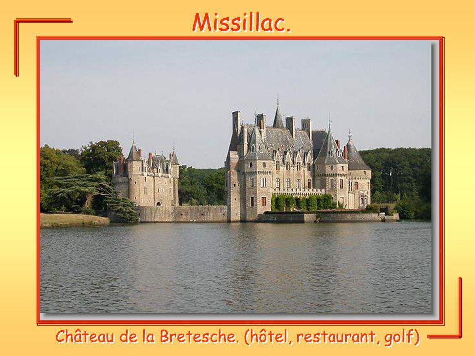 Missillac. Château de la Bretesche. (hôtel, restaurant, golf)