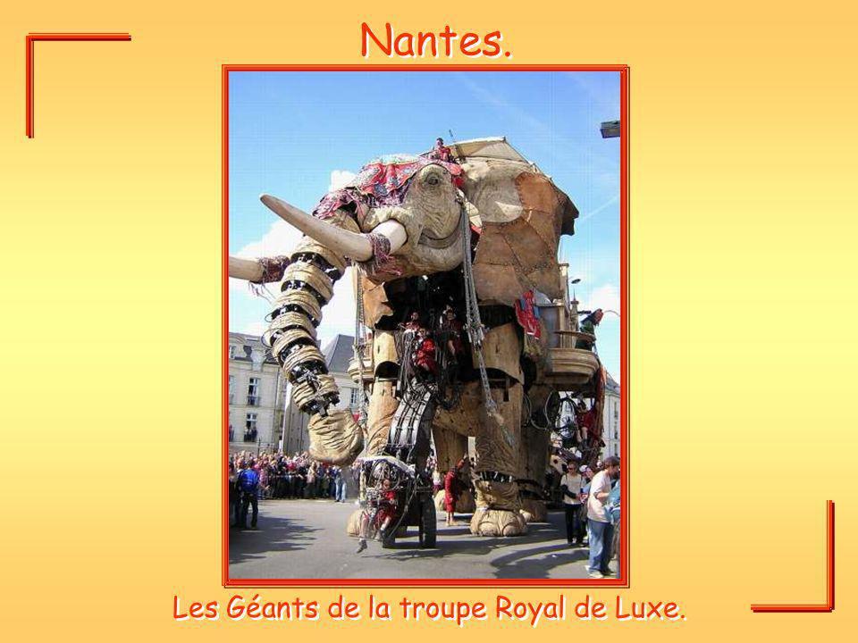 Nantes. Les Géants de la troupe Royal de Luxe.